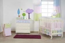 חדר פרח השקד ומבחר מוצרי תינוקות נוספים