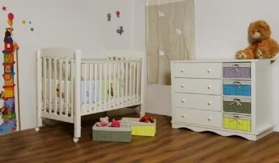 חדר מורן ומבחר מוצרי תינוקות נוספים