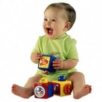 קוביות נערמות מבית פישר פרייס ומבחר מוצרי תינוקות נוספים