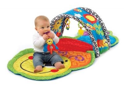 אוניברסיטה לתינוק משולבת עם מנהרת זחילה של חברת פלייגרו Playgro