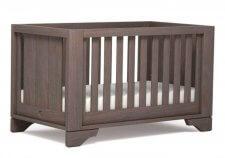 מיטת תינוק Eton Expandable מוקה מבית Boori