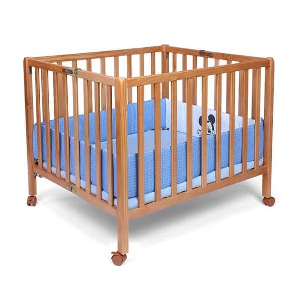 לול לתינוק עץ