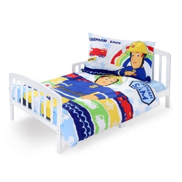 מיטת מעבר עם מצעים סמי הכבאי